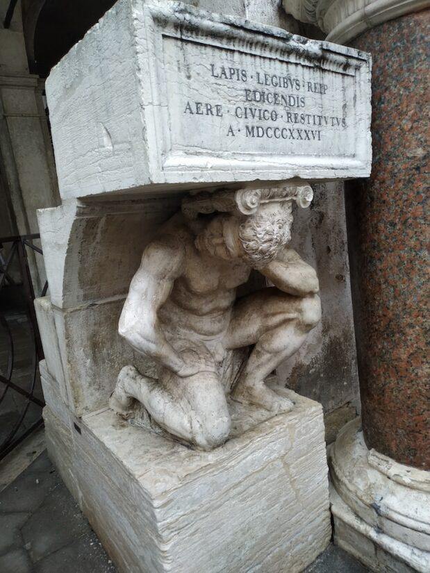 Il Gobbo di Rialto, en Venecia