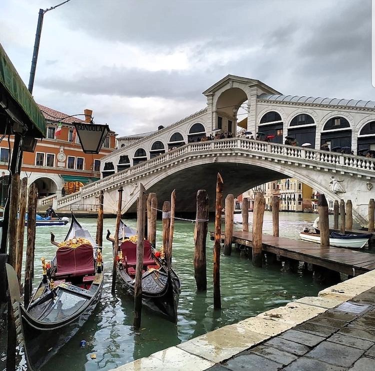 Ponte di Rialto en Venecia