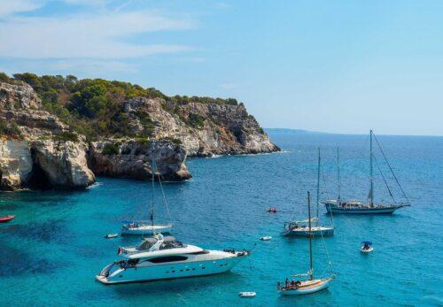 Menorca, un paraíso para navegar con la familia